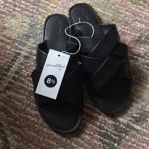 Krissy Crossband Slide Sandal. Brand new